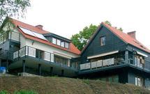 Problem z sąsiadem: czy zgoda sąsiada na rozbudowę domu jest konieczna?