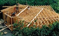 Solidna więźba dachowa. Jak łączyć ze sobą drewniane elementy?