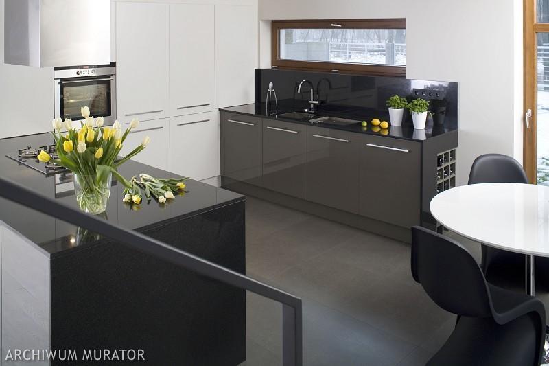 Galeria zdjęć  Czarno biała kuchnia  nowoczesne   -> Kuchnia Bialo Czarna Brazowa