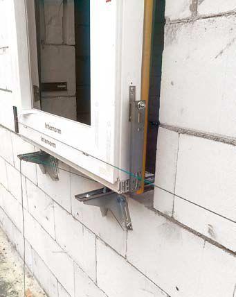 Wysunięcie okna poza lico ściany
