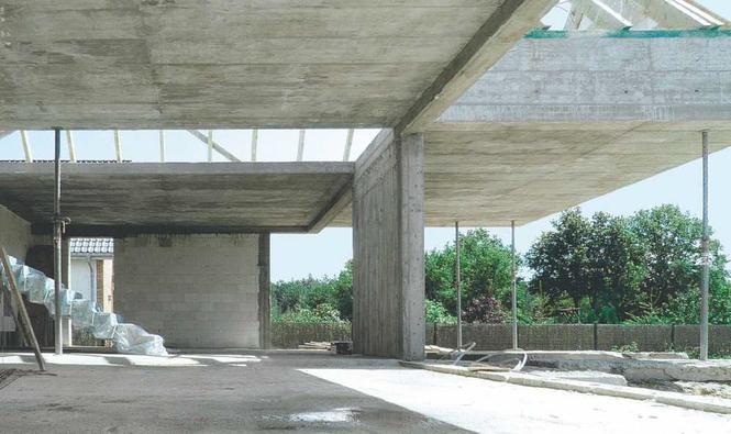 Betonowa konstrukcja budynku