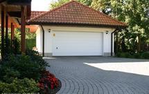 Budowa garażu i wiaty garażowej - formalności. Czy potrzebne jest pozwolenie na budowę lub zgłoszenie?
