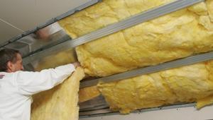Ocieplenie dachu. Przegląd materiałów izolacyjnych do ocieplania dachów skośnych