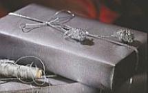Pakowanie prezentów świątecznych. 9 pomysłów na ozdobne opakowania prezentów