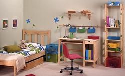 Biurko do pokoju dziecka. Jak je wybrać i dobrze ustawić?
